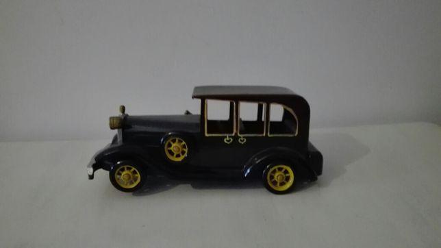 Carros de colecção p/restauro