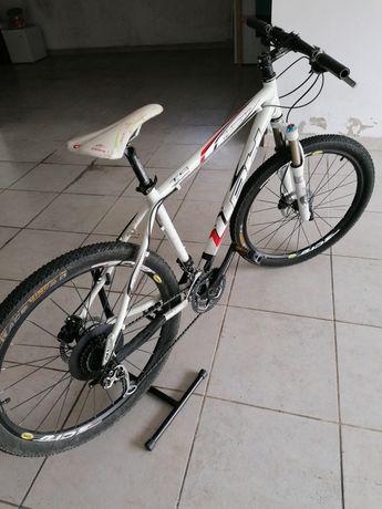 Bicicleta BH como nova