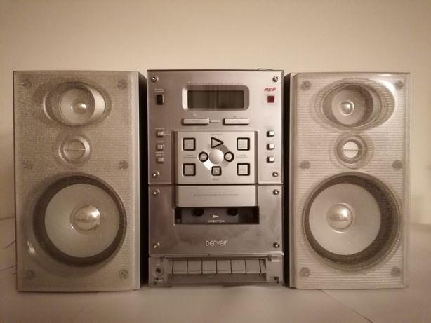 Leitor de CDs e cassetes