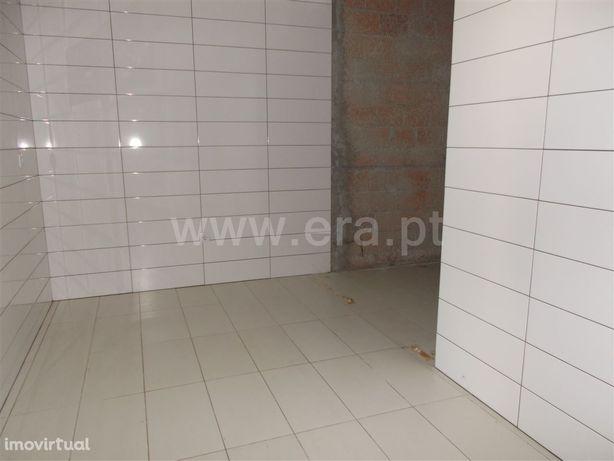 Loja, 66 m², Vila Chã