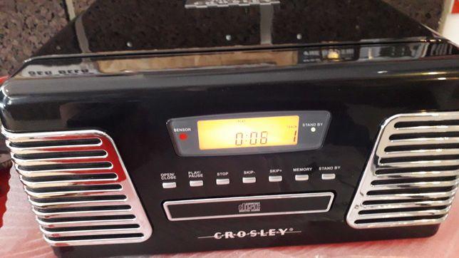 Gira-Discos Retro em cor preta  ou cromada da marca CROSLEY
