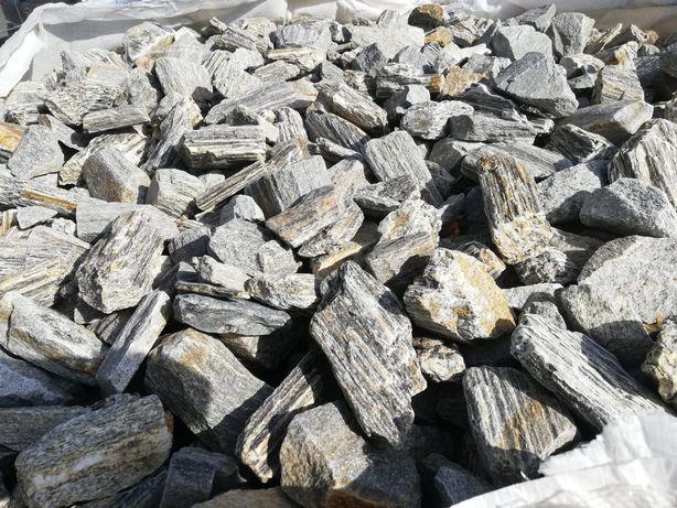 Kora kamienna 2 tony z dostawą gnejs szary brąz grys kamień ozdobny