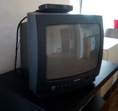 Swietny telewizor 14 cali Philips z pilotem i antena