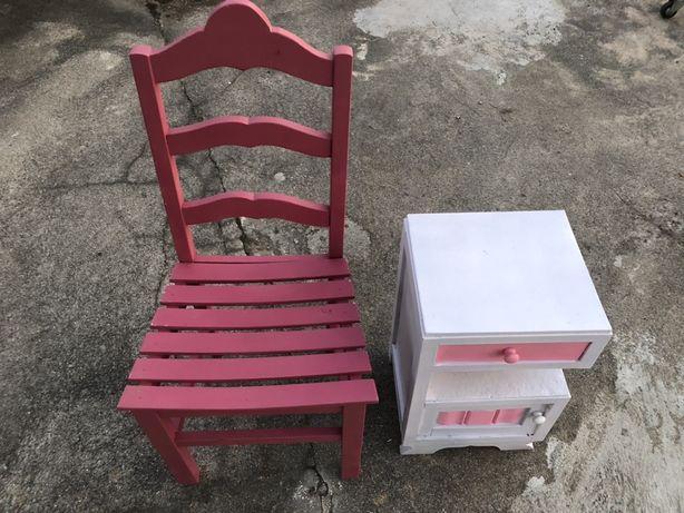 Cadeira + Mesa cor de rosa