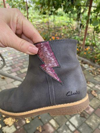 Черевики Clarks для дівчинки 31 розмір