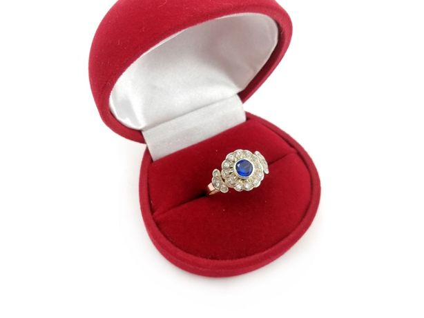 Złoty pierścionek z CYRKONIAMI 585 3,05 R16
