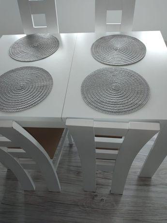 Stół rozkładany plus 4 krzesła jak nowy!