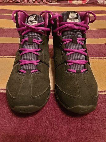 NIKE- skórzane buty sportowe za kostkę r. 40