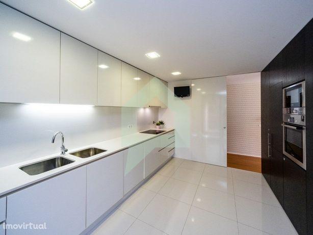 Apartamento T3 com 3 quartos excelentes acabamentos, Real...