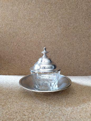 Taça de cristal e prata com contraste javali