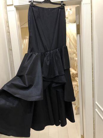 Новая нарядна торжественная юбка roman размер s очень красивая