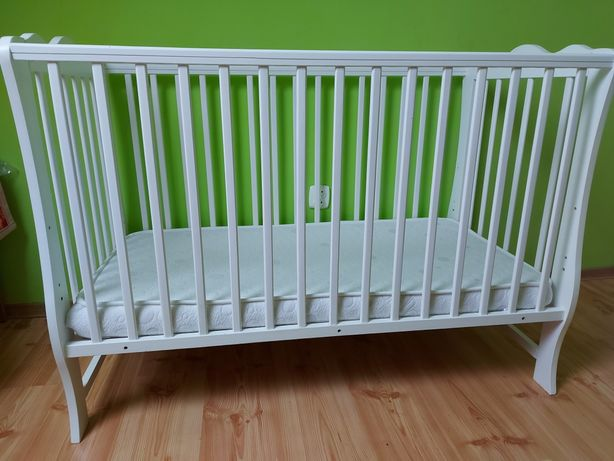 Łóżeczko dziecięce/ niemowlęce + materac, osłonka, pościel, prześciera
