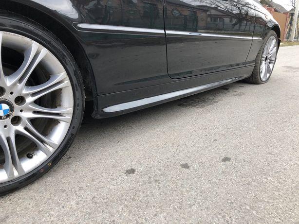 Пороги М обвес BMW e46 купе накладкі на пороги М обвес BMW e46 купе