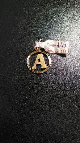 piękny Wisior litera A