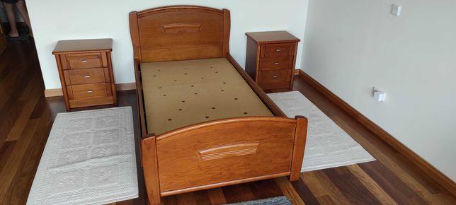 Camas de solteiro, mesas de cabeceira e cómoda. Oferta de secretária.