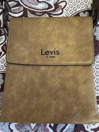 Продам кожаную сумку Levis
