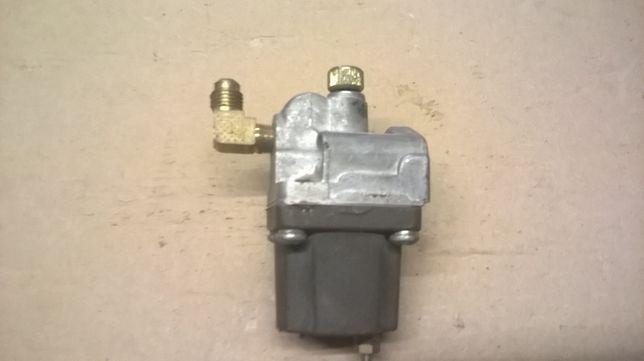 Zawór gazowo sprężarkowy