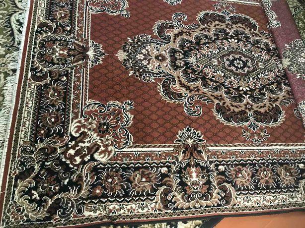 Продам паласи-коври на пол або на стіну в ідеальному стані