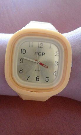 Zegarek żółty