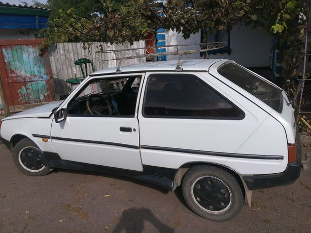 автомобиль заз 1102