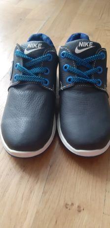 Продам кроссовки на мальчика