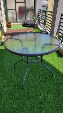 Mesa exterior com tampo de vidro