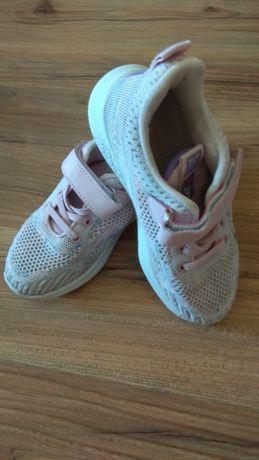 Кроссовки для девочки р 32