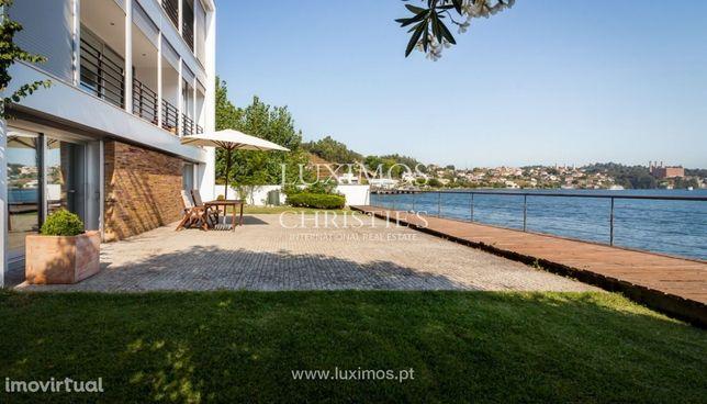 Moradia com vistas fantásticas sobre o rio, Porto
