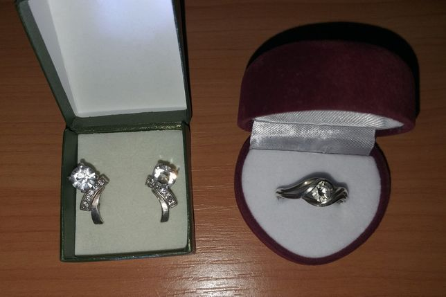 Серебрянные серьги. Серебрянное кольцо. 925 проба.