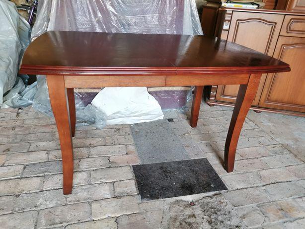 Zestaw obiadowy stół + 6 krzeseł.