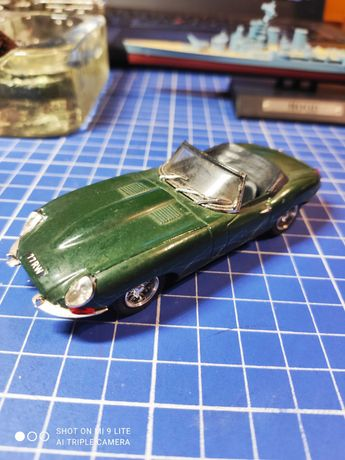Model Jaguar E type skala 1:43 Made in Italy BEST