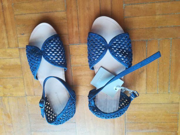 Sandálias lindas da zara novas