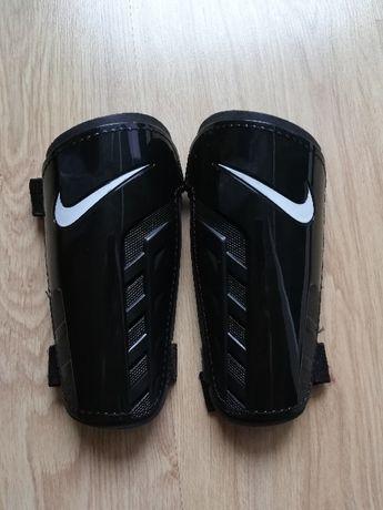 Ochraniacze piłkarskie NIKE rozmiar S