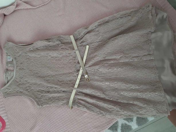 Śliczna sukienka koronkowa dziecięca Reserved 152