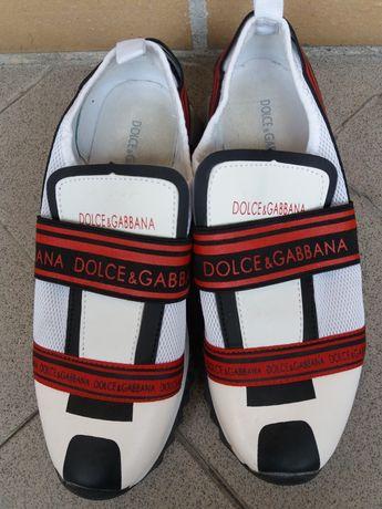 Dolce & Gabbana a calçar entre 39 a 40