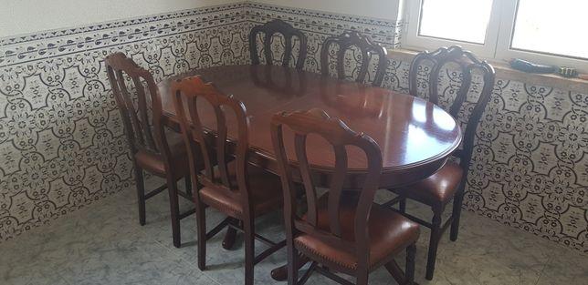 Mesa de Jantar Mogno