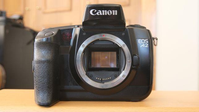 Canon EOS A2 Autofocus SLR 35mm Film Camera Analógica (Corpo)