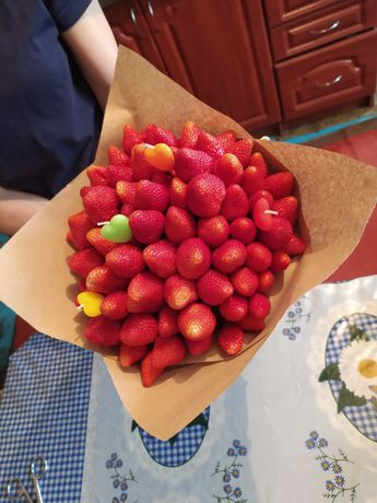 Букеты из конфет и фруктов