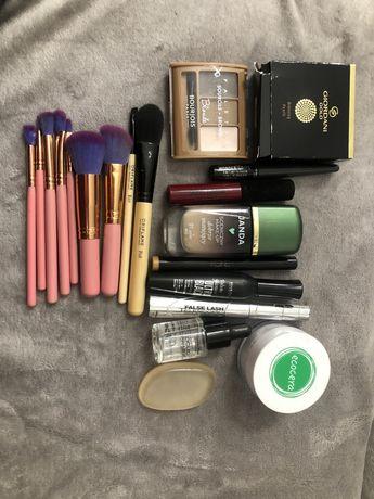 Duzy zestaw kosmetyków i pędzli + GRATIS nowe farby