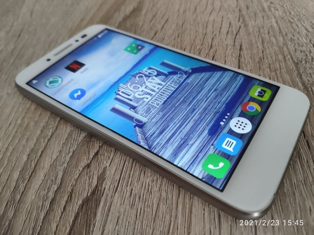 "Smartfon Alcatel Shine 5"" + 2x Etui"