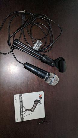 Microfone Trust Starzz com tripé