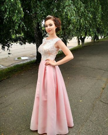 Продам безупречно красивое платье,шикарное качество