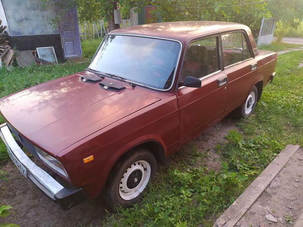 Автомобіль ВАЗ 2105
