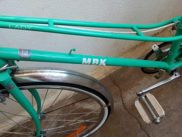 Bicicleta de estrada antiga MBK