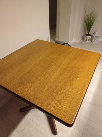 Stół dębowy - kwadrat
