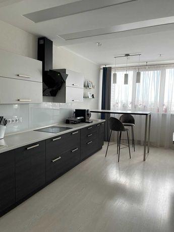 3 комнатная квартира, Оболонь, Малиновского, 8  Новый дом.
