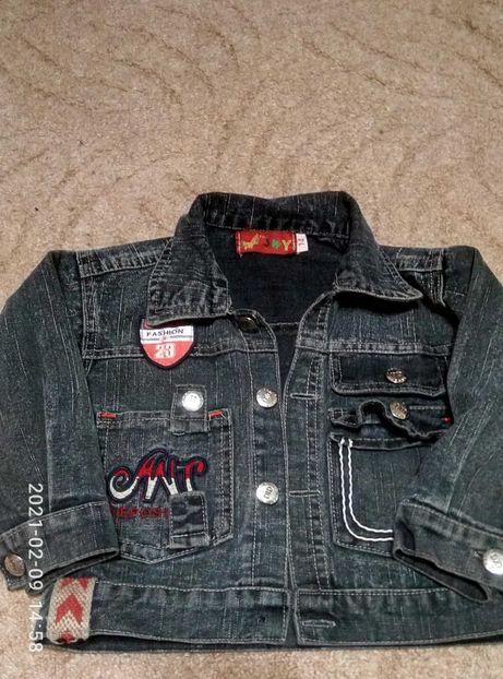 Джинсовая куртка ветровка на 2-3 годика