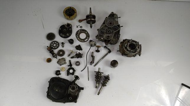 Yamaha dt 125 lc karter dekiel osłona wał korbowy cylinder wałek tryb