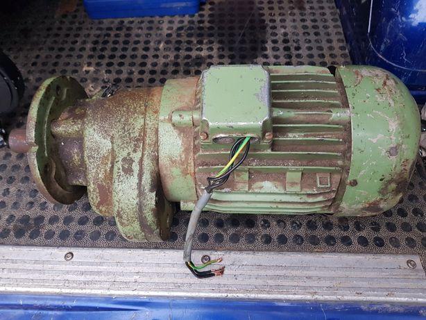 Motoreduktor Silnik Trójfazowy 4.0 kW Przekładnia 1:11 Serwomotor