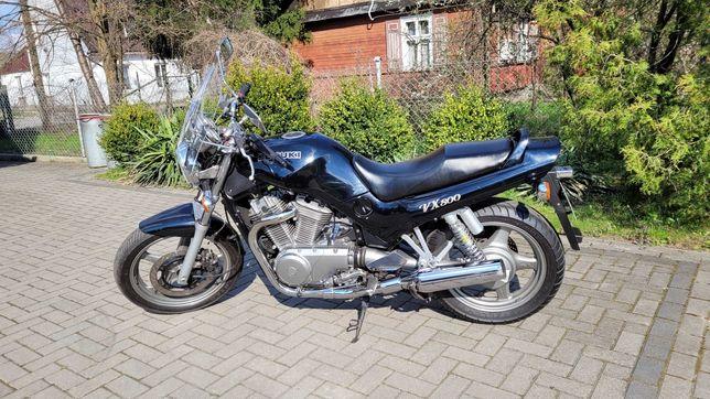 Motocykl Suzuki VX800